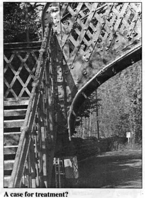 Photo of footbridge